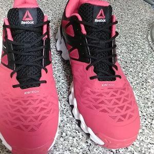 Mens sneakers..